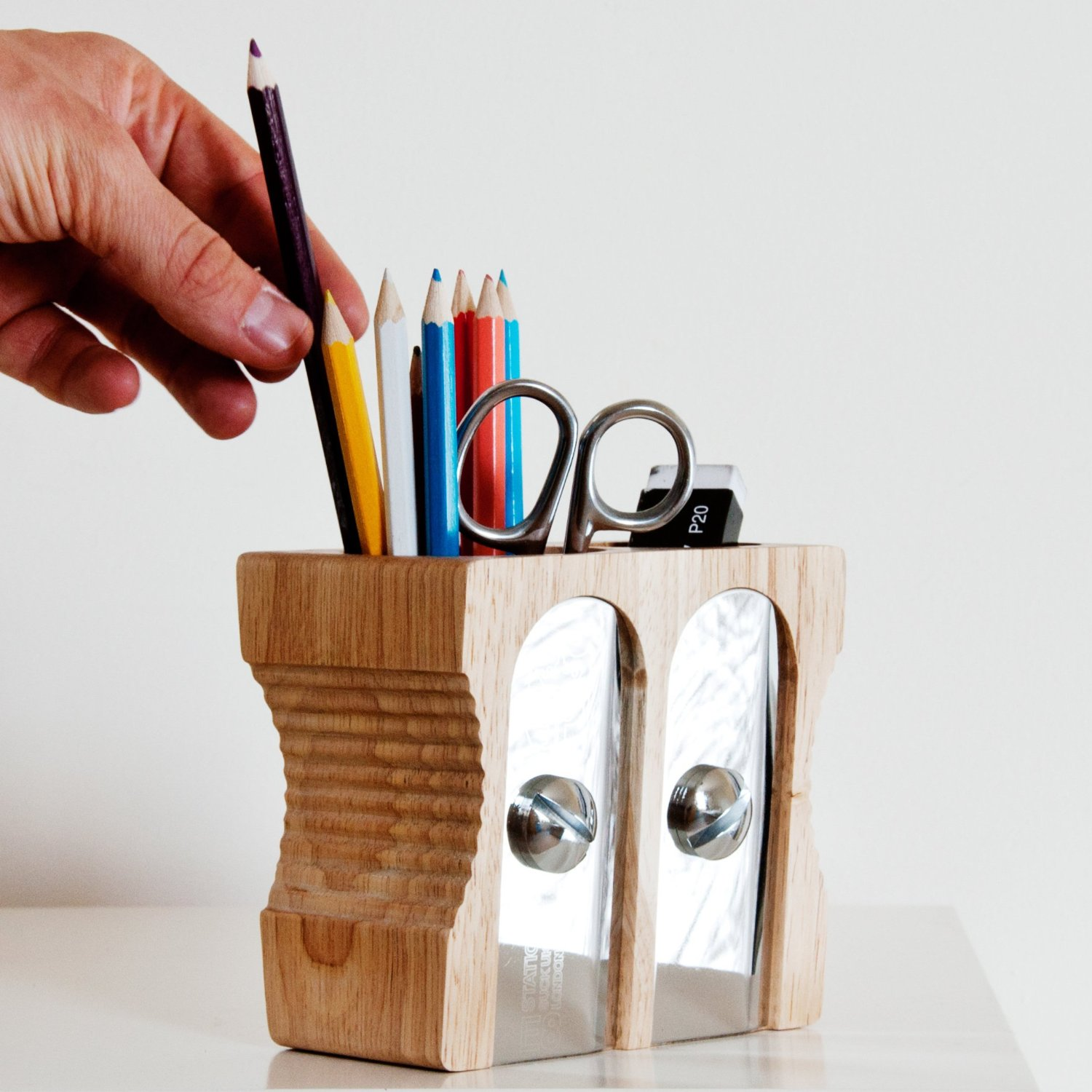 Top 10 gifts for office co workers cool gifting Cool pencil holder ideas