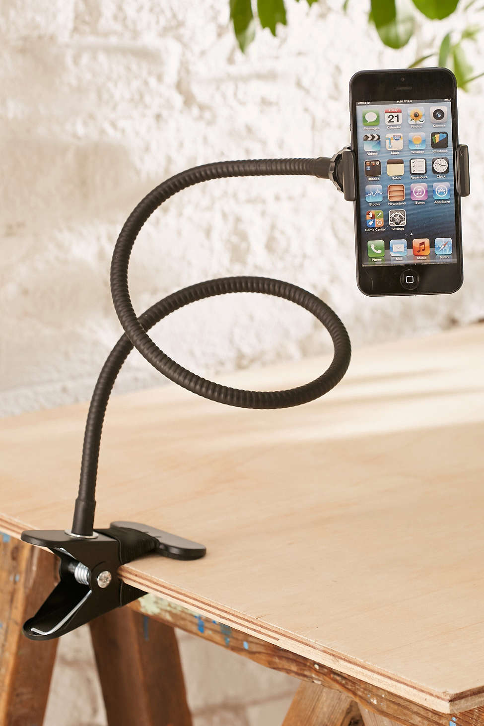 Gooseneck-iPhone-Holder